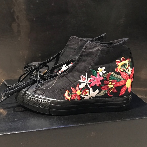 81792ca5365d NWOB Converse x PatBo Floral Embroidered Sneakers
